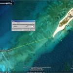 L'épave se voit bien avec l'image de Google Earth 2007. Sur celle de 2010 la réflexion donne une mauvaise visibilité.