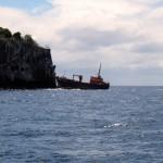 En route vers Mayreau, un bateau échoué