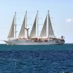 Un gros voilier 4 mâts